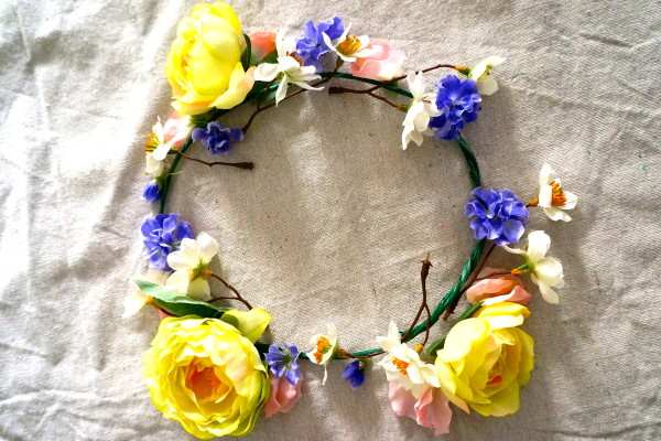 How to make a transparent flower crown